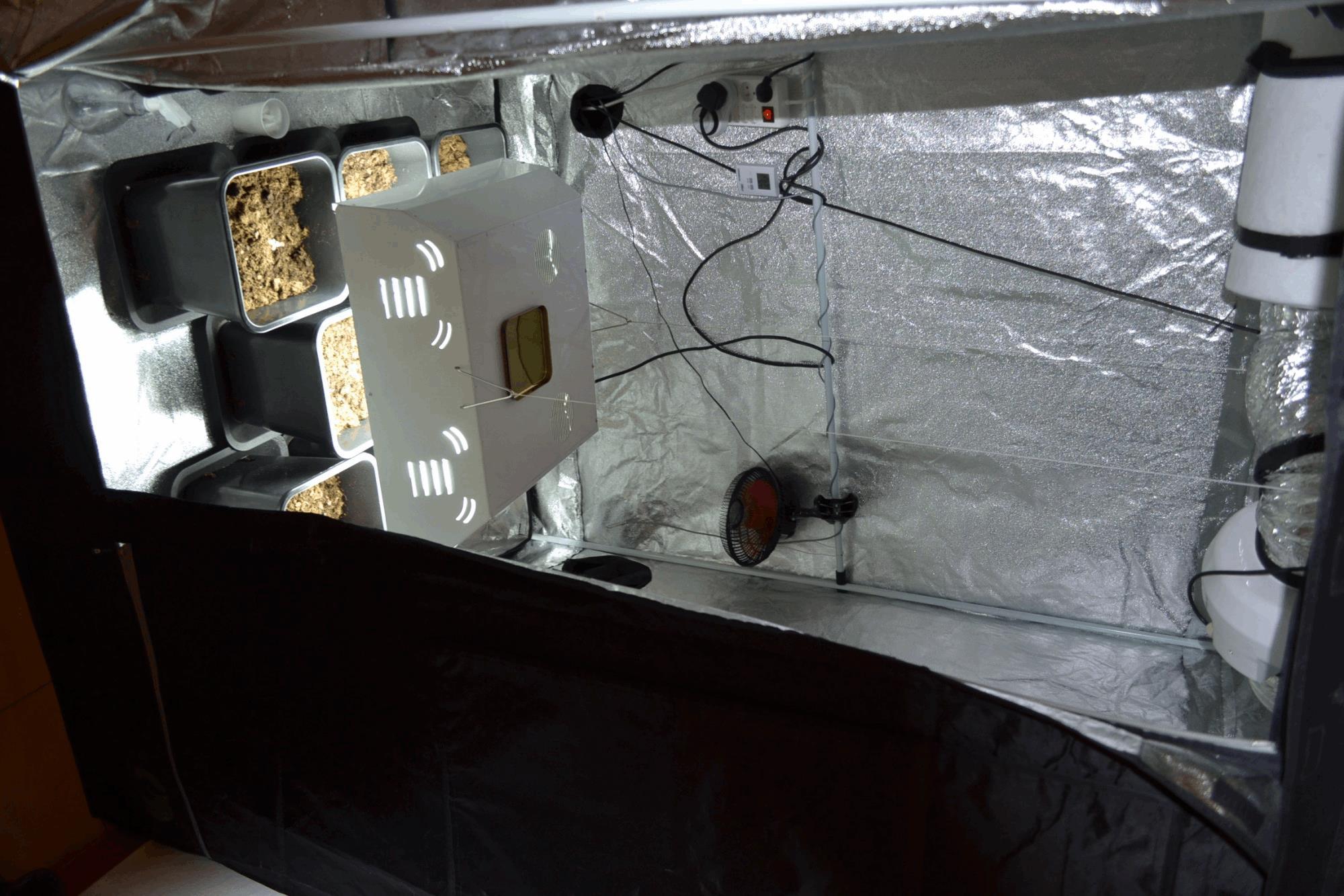 r flecteur classique ou parabolic pour cfl eco clairage cannaweed. Black Bedroom Furniture Sets. Home Design Ideas