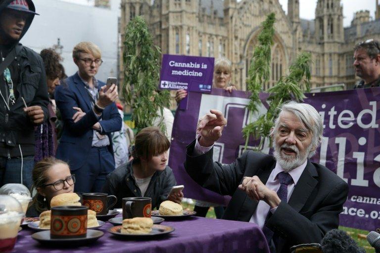 Londres: Tea time au cannabis pour promouvoir son usage thérapeutique