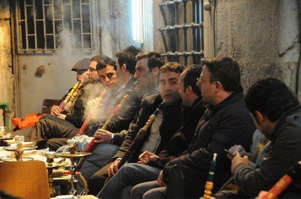 "Maroc - Les jeunes ""kifent"" le Ramadhan"