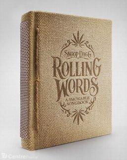 Le rappeur Snoop Dogg invente le livre... qui se fume