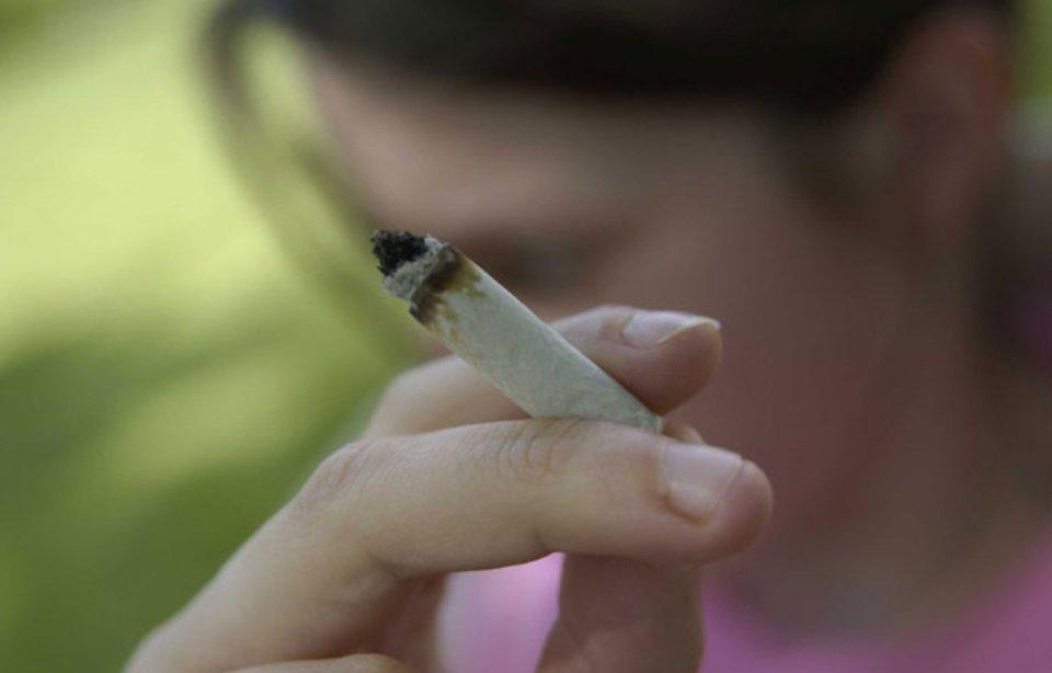 Cannabis: Les ados évoquent «un produit bio» moins «dangereux» que le tabac