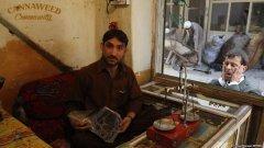 lêche vitrine à Mazâr-i Charîf en attendant les boulettes persos...