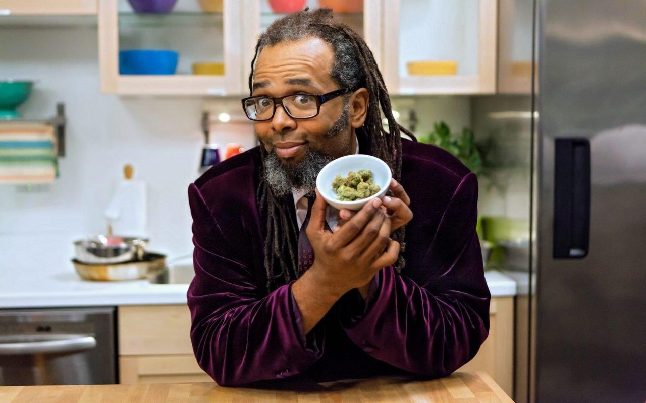 La première compétition de cuisine au cannabis vient d'atterrir sur Netflix. Intitulée Cuisiniers en herbe (version française de Cooking on High) ...