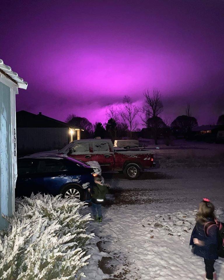 Pourquoi le ciel est-il devenu violet en Arizona ?