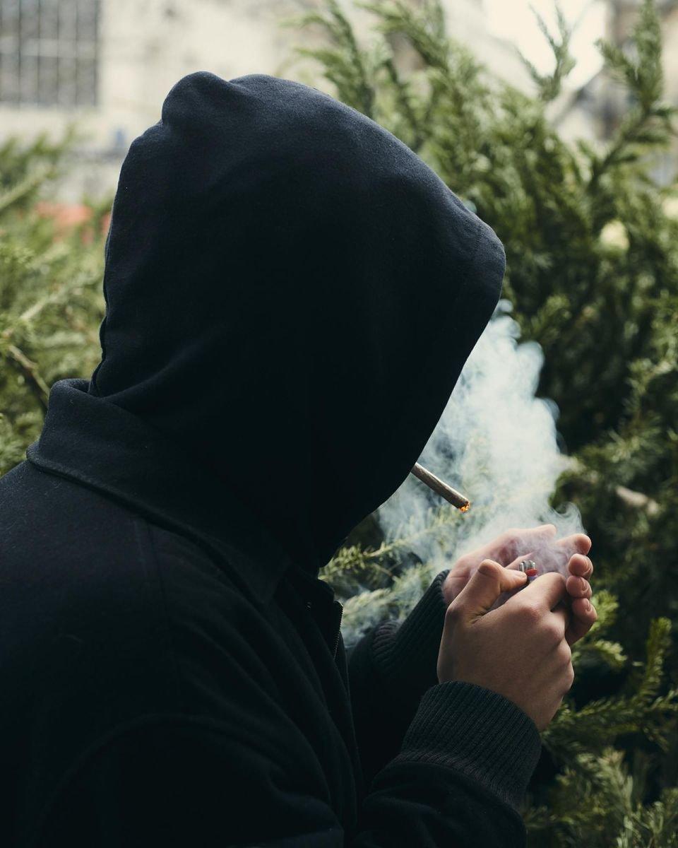 Amende pour usage de cannabis : «L'Etat met encore le sujet sous le tapis»