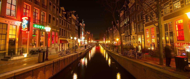 Amsterdam dit aux touristes tapageurs de «rester à la maison» alors que les fermetures de la ville sont levées